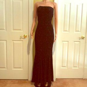Jessica  McClintock Figure Fitting Cocktail Dress.